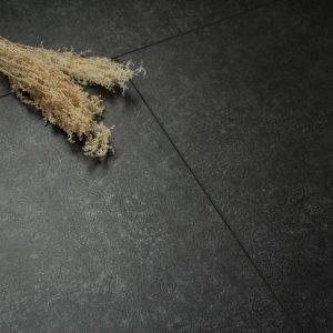 Zwarte vloer tegels